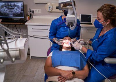 Microscopio dental clinica dental Smile Center La Línea de la concepción Algeciras