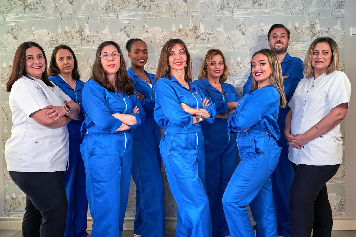 Clínica Dental Smile Center La Línea de la Concepción Equipo de dentistas y Profesionales
